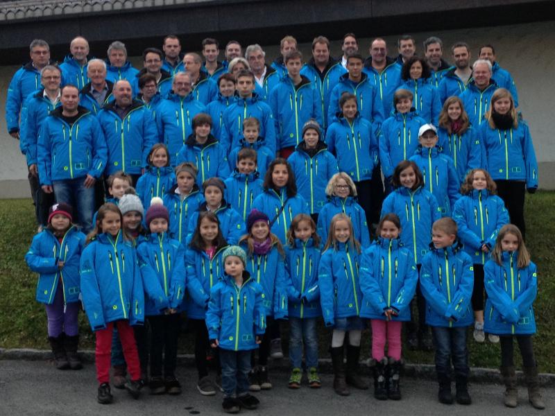 Gruppenfoto Skibekleidung